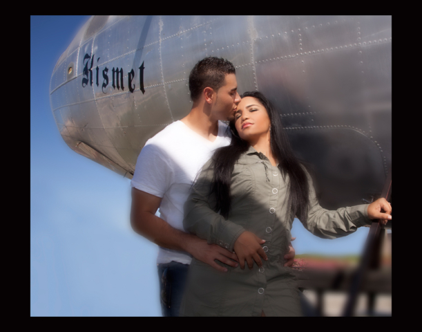 Airplane Kiss